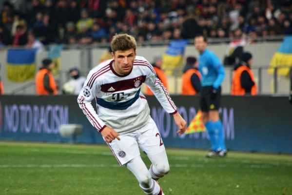 Bayern w finale, dwa gole Muellera