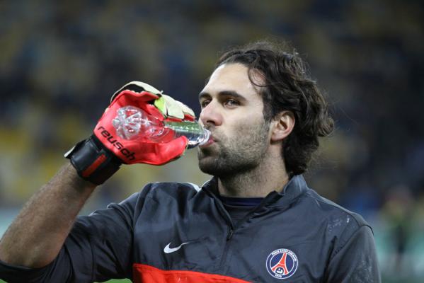 Salvatore Sirigu chce opuścić PSG