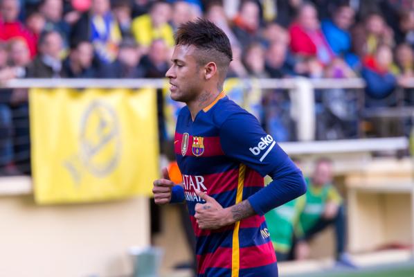 """""""Pier... się"""" - skandaliczne zachowanie Neymara wobec Jordiego Alby [VIDEO]"""