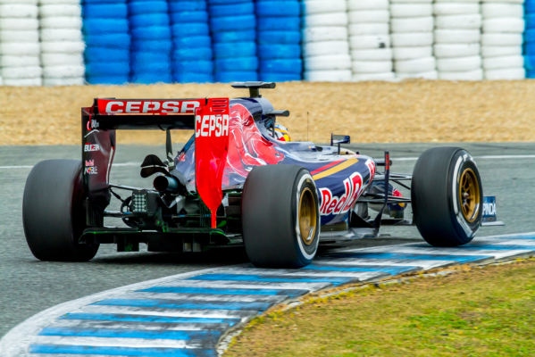 Formuła 1: Mniej silników w sezonie?
