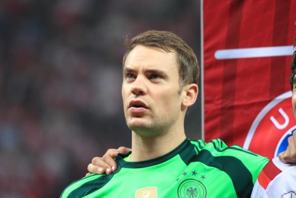 """Neuer: Nie rozumiem, gdy krzyczą na mnie i nazywają """"skur...em"""""""