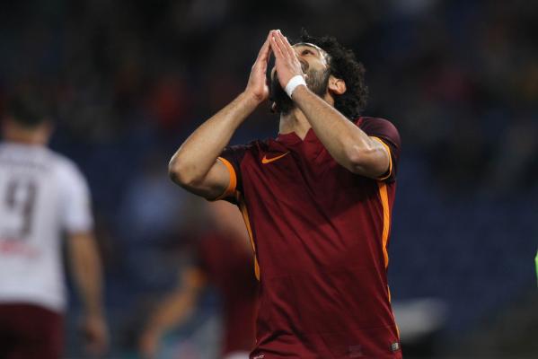 Roma wygrywa z Napoli, Juve mistrzem! [VIDEO]