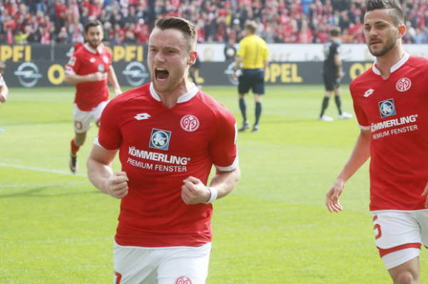 Mainz wykupiło skrzydłowego z Schalke