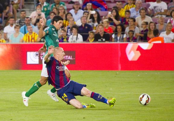 Mathieu wrócił do treningów Barcelony