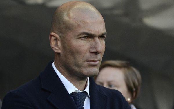 L'Equipe: Zidane chce pracować na Old Trafford. Francuz może zastąpić Mourinho
