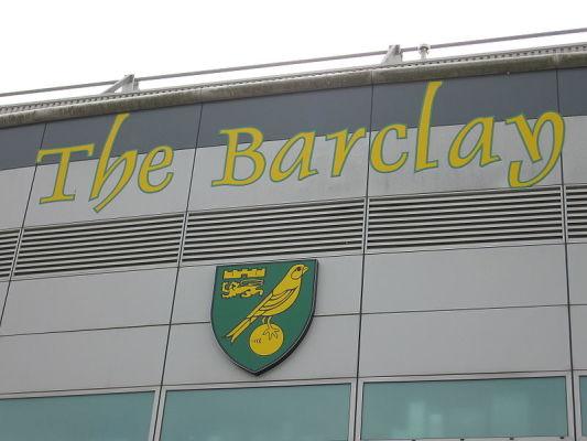 Kluby z Premier League zainteresowane pomocnikiem Norwich City