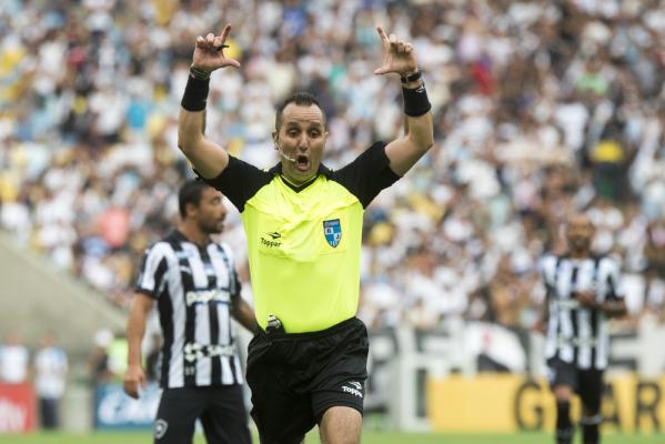 Poważne zmiany w futbolu. Nowe przepisy już na EURO 2016