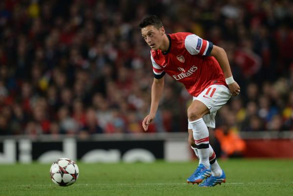 Oezil podpisze nowy kontrakt z Arsenalem?