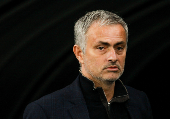 Media: Puchar Anglii nie uratuje van Gaala. Mourinho dogadał się z MU