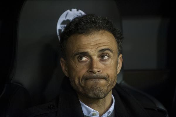 Enrique: Sevilla zawsze nam utrudnia. Zakaz wnoszenia flag? W tym kraju nic mnie już nie zdziwi...
