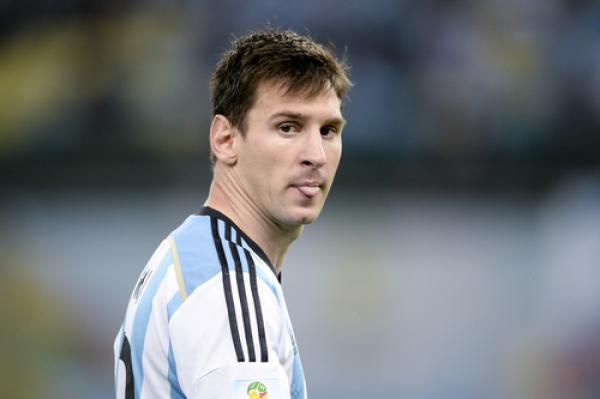 Kontuzja Messiego, piękny gol Higuaina [VIDEO]