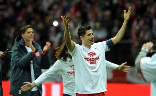 Lewandowski w Drużynie Sezonu Ligi Mistrzów według UEFA. Ale kto najlepszy? [ANKIETA]