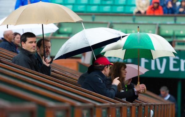 Roland Garros: Poniedziałkowe mecze odwołane, Radwańska zagra dopiero we wtorek