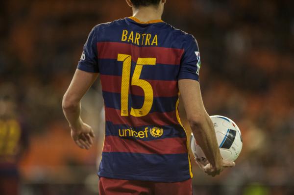 Obrońca Barcelony trafi do Valencii?