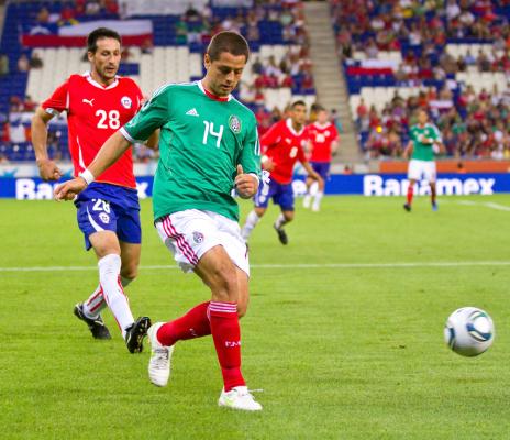 Chile pokonane, Chicharito piłkarzem meczu