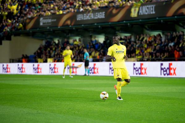 MU bliski pozyskania obrońcy Villarreal