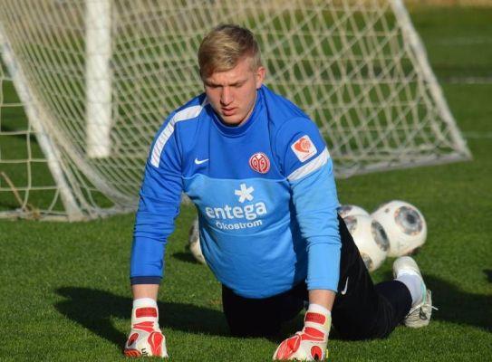 Młody bramkarza Mainz na dłużej w klubie