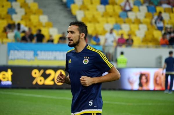 Mehmet Topal zostaje w Fenerbahce