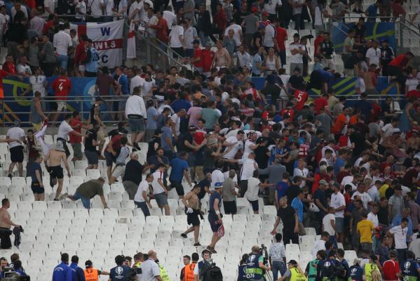 Tragedia na EURO 2016. Zmarł Anglik pobity przez chuliganów z Rosji