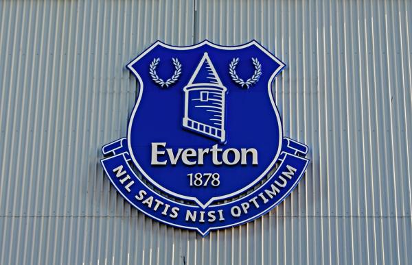 18-letni pomocnik Evertonu przedłużył kontrakt