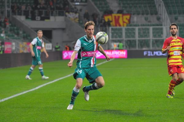 Beniaminek Ekstraklasy przedłużył kontrakt ze swoim obrońcą