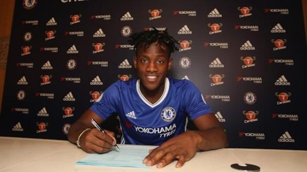 OFICJALNIE: Batshuayi piłkarzem Chelsea