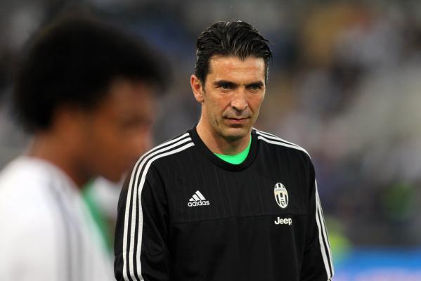 Buffon: Awansowaliśmy jako chaotyczna grupa, wracamy jako solidny zespół