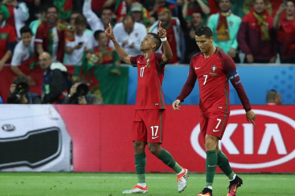 Portugalia w finale EURO 2016! Ronaldo i Nani załatwili Walię w trzy minuty [VIDEO]