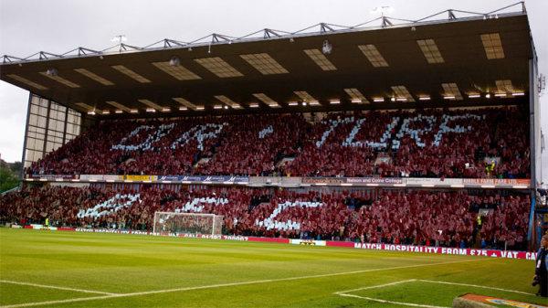 Kevin Long przedłużył kontrakt z Burnley