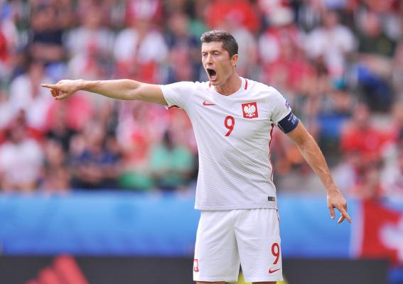 """""""Marca"""" wybrała najgorszą jedenastkę EURO 2016. Lewandowski, Mueller, Pogba..."""
