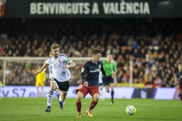 Barcelona bliska pozyskania napastnika Atletico Madryt