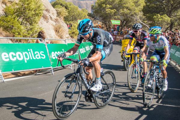 TdF: Dumoulin wygrał etap, Froome liderem