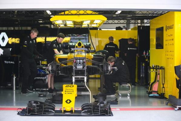 F1: Renault już nie poprawi silnika