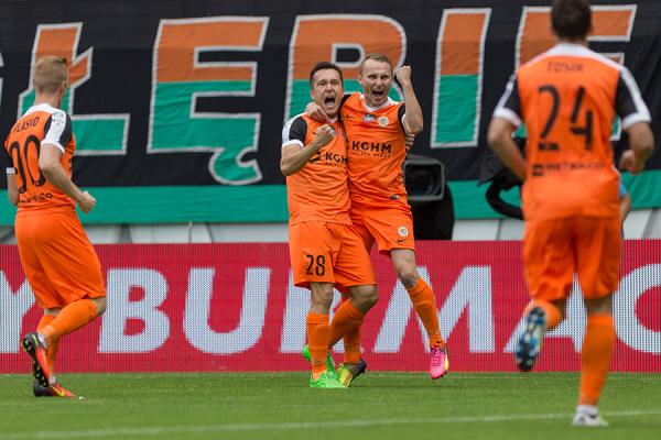 Zagłębie wygrało z Lechem i zostało liderem Ekstraklasy