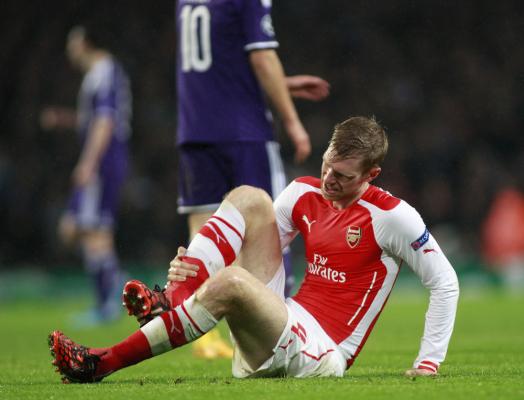 Poważne osłabienie Arsenalu. Mertesacker nie zagra przez 5 miesięcy?