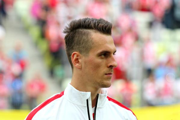 Higuain w Juventusie za 94 mln euro. Zastąpi go Milik, bijąc rekordy transferowe: Polski i Eredivise! [AKTUALIZACJA]