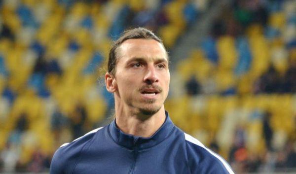 Zlatan w dwa tygodnie zarobi na transfer Pogby. Koszulkami ze swoim nazwiskiem