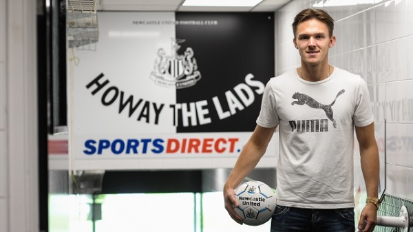 Woodman cztery lata dłużej w Newcastle