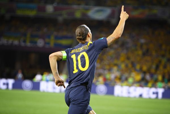 Zlatan w swoim stylu: Sprawiłem, że Pogba wrócił do MU