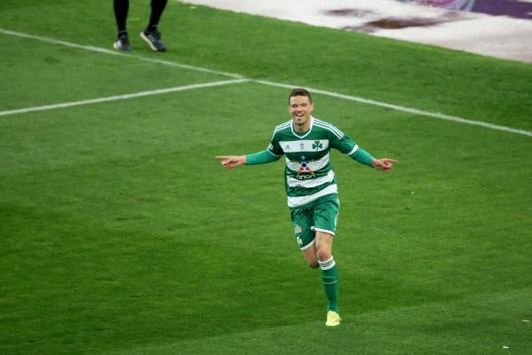 """Panathinaikos wygrywa z Brondby, goście kończyli mecz w """"dziewiątkę""""."""