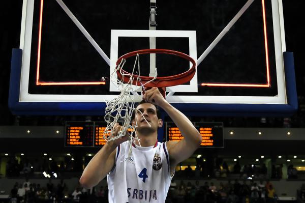 Koszykarze Serbii rozgromili Australijczyków w półfinale igrzysk