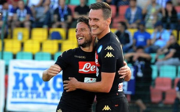 Grad goli w Lidze Mistrzów! Strzelił Milik, ale Napoli przegrało z Szachtarem. Po cztery bramki w meczach Liverpoolu i Tottenhamu