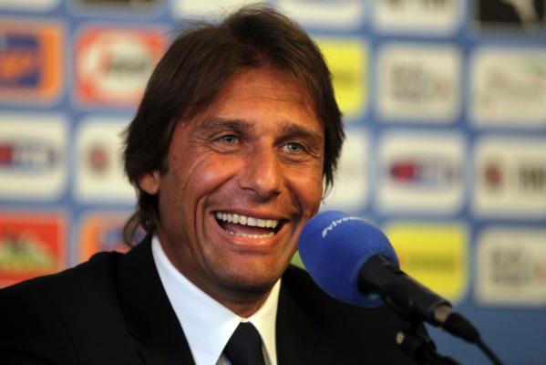 """Chelsea szuka obrońcy. """"Rynek jest szalony"""""""