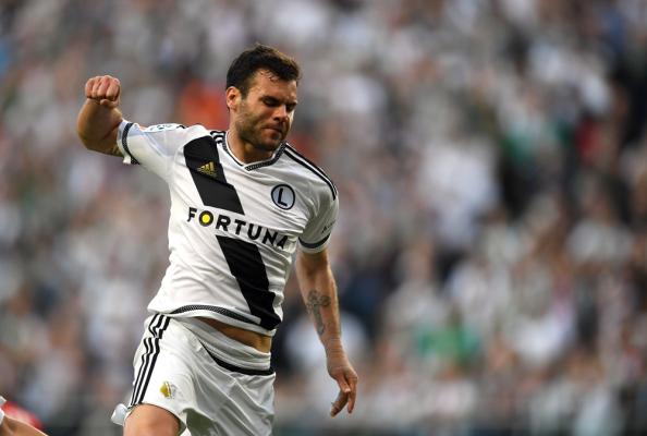 Legia wygrała w Chorzowie po dublecie Nikolicia