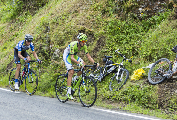 Vuelta: Polski kolarz złamał obojczyk
