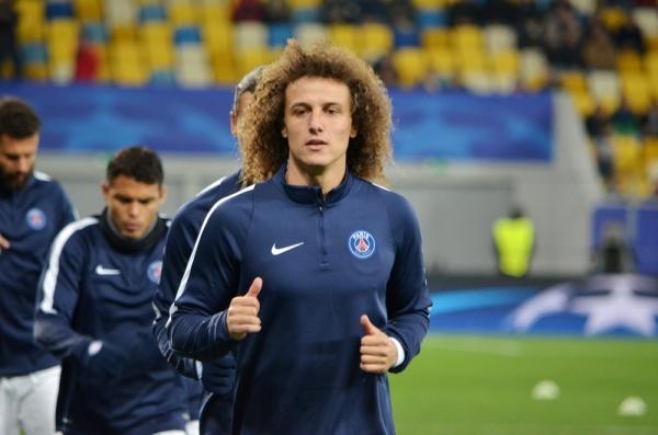 Sensacyjny transfer stał się faktem! David Luiz wraca do Chelsea!