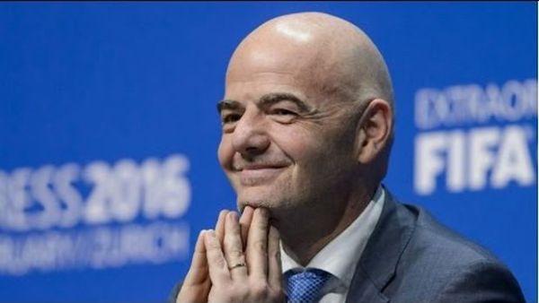 Szef FIFA o powtórkach: Czas spróbować! Nie może być tak, że cały świat widzi, a sędzia nie