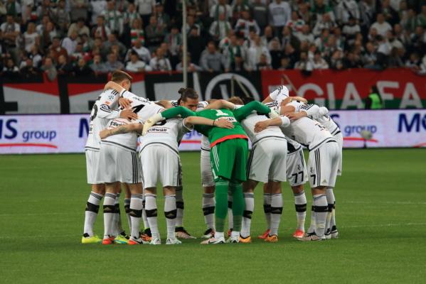 Piłkarze Legii szykują się do meczu z Termalicą Nieciecza, drobny uraz Bereszyńskiego