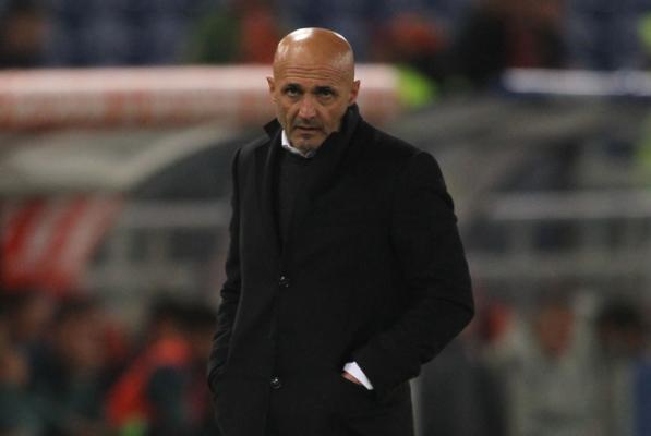 """Żona Tottiego atakuje trenera Romy. """"To mały człowiek"""""""