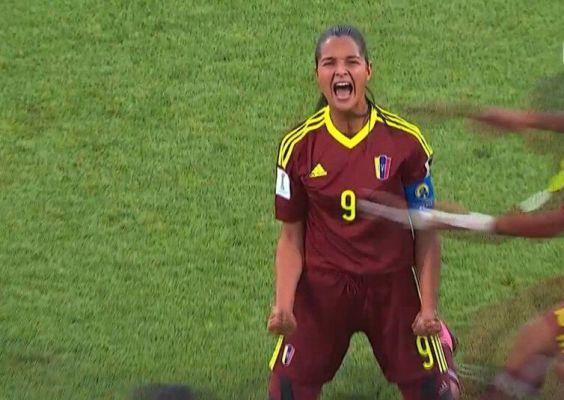 Co za gol na kobiecym mundialu! A strzela... Deyna! [VIDEO]